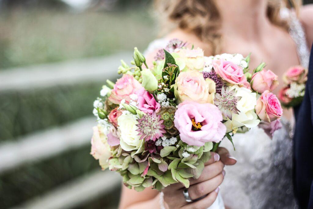 Come Scegliere Il Bouquet Da Sposa.Bouquet Da Sposa Come Scegliere Quello Giusto Lucianella It